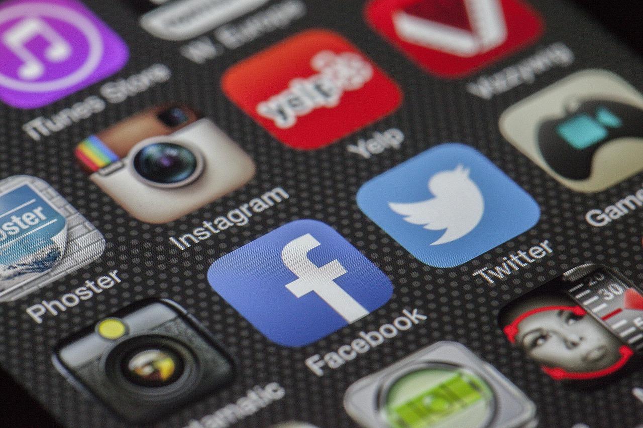 SNSをどう使い分ける?Facebook・Twitter・Instagramの特徴を知って効果的に使い分けよう